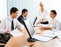 Thành viên sáng lập của công ty TNHH có thể ủy quyền cho người khác họp HĐTV
