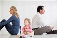 Con 02 tháng tuổi, quyền nuôi con thuộc về ai?
