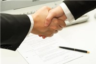 Hợp đồng ủy quyền phải được giao kết dưới hình thức nào?