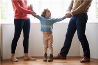 Vợ cũ đòi quyền nuôi con, phải làm sao?