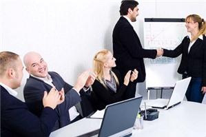 Hồ sơ đăng ký cung cấp dịch vụ mạng xã hội trực tuyến?