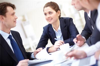 Luật sư chuyên tư vấn cách tính tiền lương làm thêm giờ của công ty