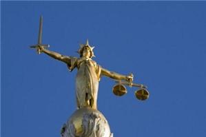 Đất của nguyên đơn đã đem thế chấp, thi hành án như thế nào?