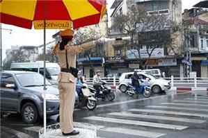Tốc độ lái xe cho phép khi đi vào khu vực đông dân cư là bao nhiêu?