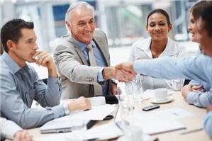 Ký kết hợp đồng lao động với người cao tuổi